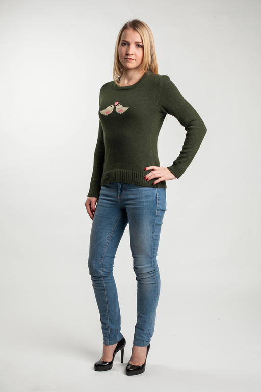 Вязаный свитер `Птички` Дизайнер вязаной одежды: Анна Самарина Фотограф: Андрей Ярцев Визажист: Яна Кулик