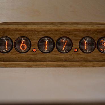 Для дома и интерьера ручной работы. Ярмарка Мастеров - ручная работа Ламповые часы на ИН-4 из дуба. Handmade.