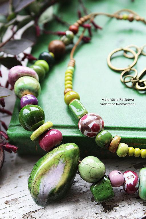 """Колье, бусы ручной работы. Ярмарка Мастеров - ручная работа. Купить колье """"Авокадо"""". Handmade. Зеленый, фрукт, керамика в красноярске"""