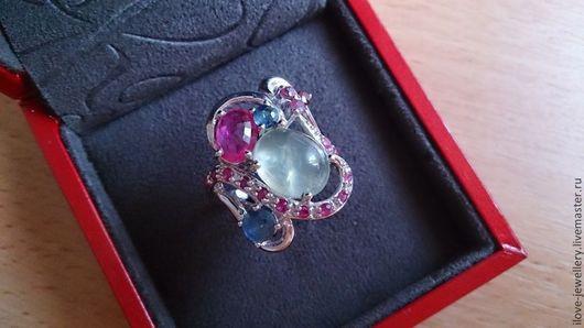 """Кольца ручной работы. Ярмарка Мастеров - ручная работа. Купить """"Джиованна""""- дизайнерское кольцо с пренитом,рубинами и сапфирами. Handmade."""