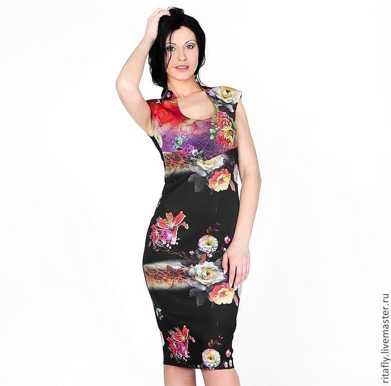 Прямое летнее платье до колена