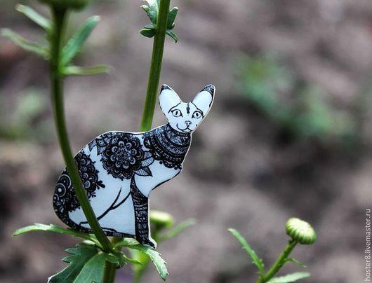 """Броши ручной работы. Ярмарка Мастеров - ручная работа. Купить Брошь """"Милая черно-белая кошечка"""" (0102). Handmade. котики"""