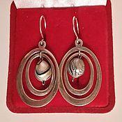 Оригинальные серебряные серьги с натуральным жемчугом