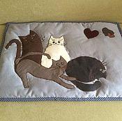 """Для домашних животных, ручной работы. Ярмарка Мастеров - ручная работа Коврик """" Котов много не бывает"""". Handmade."""