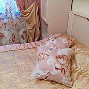 Для дома и интерьера ручной работы. Ярмарка Мастеров - ручная работа Шторы для спальни из двустороннего атласа и тюля с цветами. Handmade.