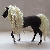 """Куклы и игрушки ручной работы. Ярмарка Мастеров - ручная работа валяная скульптура """"Лошадь"""". Handmade."""