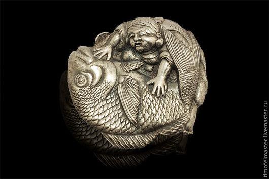 Стильная авторская брошь `Эбису с рыбой Тай`  - символ удачи!