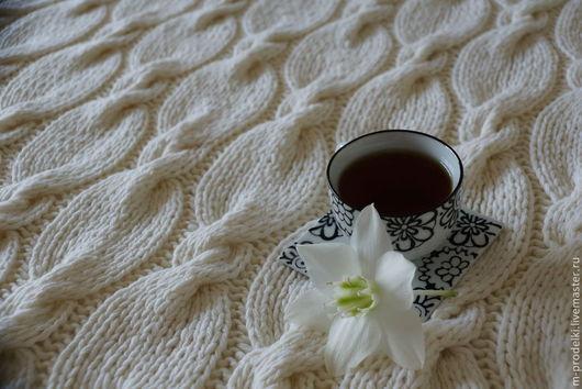 """Текстиль, ковры ручной работы. Ярмарка Мастеров - ручная работа. Купить Вязаный  плед """"Milky"""". Handmade. Белый, подарок девушке"""