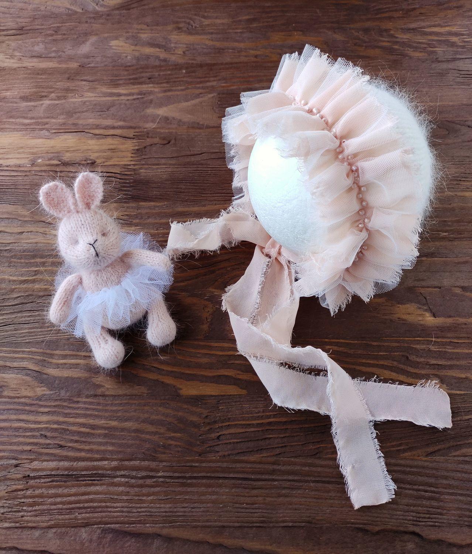 Чепчик и игрушка Зайка Комплект для фотосессии новорожденной девочки, Реквизит для детской фотосессии, Пенза,  Фото №1