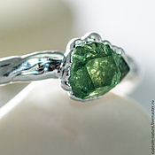 "Кольца ручной работы. Ярмарка Мастеров - ручная работа Кольцо ""Green garnet"" (натуральные камни, гранат) 52/07. Handmade."