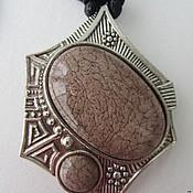 Украшения ручной работы. Ярмарка Мастеров - ручная работа Подвеска на шнуре - медальон «Эмилия». Handmade.