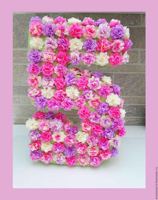 Праздничная атрибутика ручной работы. Ярмарка Мастеров - ручная работа. Купить Большая объемная цифра из милых цветочков. Handmade. из цветов