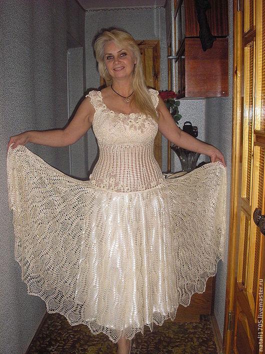 Платье крючком нарядное.