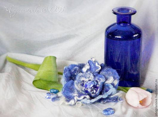 """Броши ручной работы. Ярмарка Мастеров - ручная работа. Купить Брошь цветок """"Синий вечер"""". Handmade. Синий, винтаж, вискоза"""