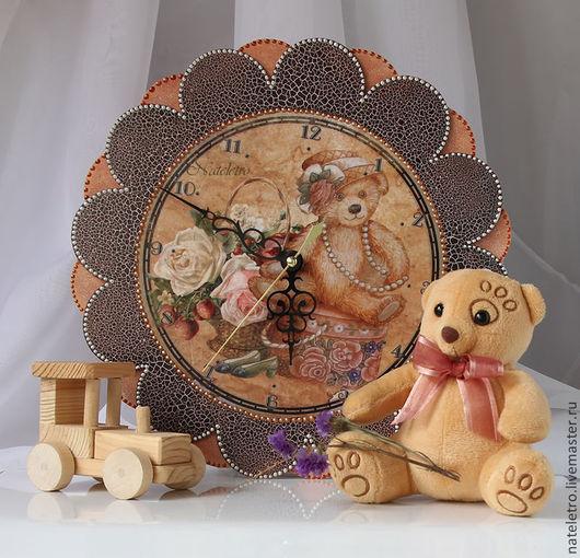 Часы для дома ручной работы. Ярмарка Мастеров - ручная работа. Купить Часы с мишкой. Handmade. Коричневый, Декупаж, интерьер, уют