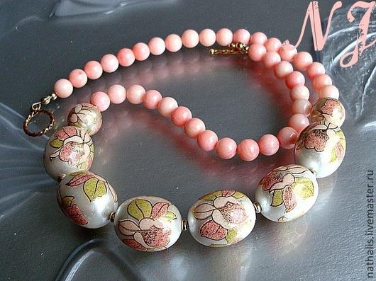 Колье, бусы ручной работы. Ярмарка Мастеров - ручная работа. Купить Ожерелье из коралла и Тенша. Handmade. Бледно-розовый