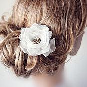 Свадебный салон ручной работы. Ярмарка Мастеров - ручная работа Цветок для прически невесты. Айвори. Нежное украшение из шелка, с жемч. Handmade.