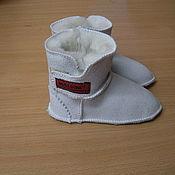 Работы для детей, ручной работы. Ярмарка Мастеров - ручная работа Пинетки из овчины с липучкой. Handmade.