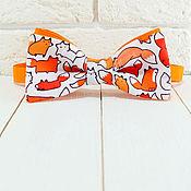 Аксессуары ручной работы. Ярмарка Мастеров - ручная работа Галстук бабочка Лисички ми-ми-ми оранжевая с лисами. Handmade.