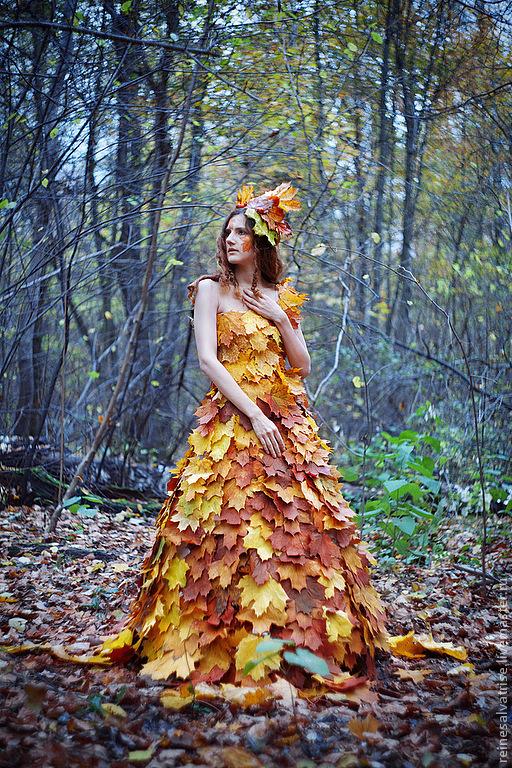 менее, фото с листом клена как платье там прошлом году