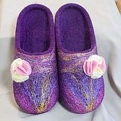 """Обувь ручной работы handmade. Livemaster - original item Женские валяные тапочки """"Фиолетовый блеск"""". Handmade."""
