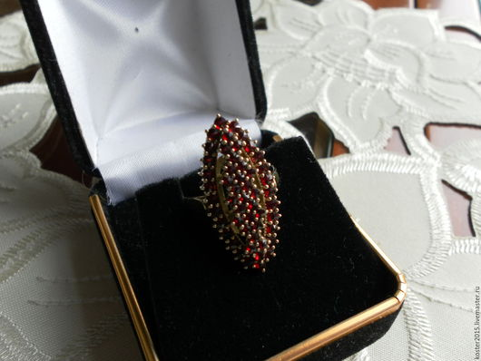 Винтажные украшения. Ярмарка Мастеров - ручная работа. Купить Чешские гранаты старинное серебряное кольцо. Handmade. Бордовый, антиквариат, позолота