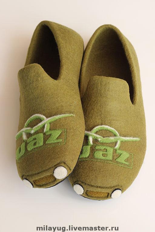 """Обувь ручной работы. Ярмарка Мастеров - ручная работа. Купить """"УАЗ"""" тапочки мужские валяные. Handmade. Валяные тапочки, транспорт"""
