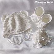 Работы для детей, ручной работы. Ярмарка Мастеров - ручная работа Комплект на выписку: шапочка, пинетки и варежки для новорожденного. Handmade.
