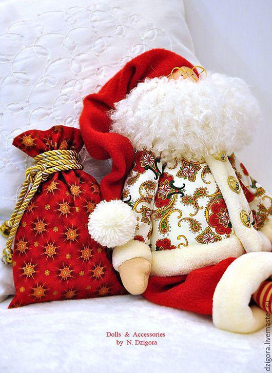 Новый год 2017 ручной работы. Ярмарка Мастеров - ручная работа. Купить Добрый Волшебник Санта. Подарок на Новый Год, Рождество. Handmade.