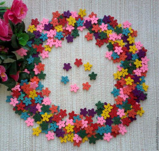 пуговицы деревянные Цветочки15мм