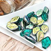 Материалы для творчества handmade. Livemaster - original item Bead leaf 7h12 mm Emerald Czech Republic (art. 2282). Handmade.