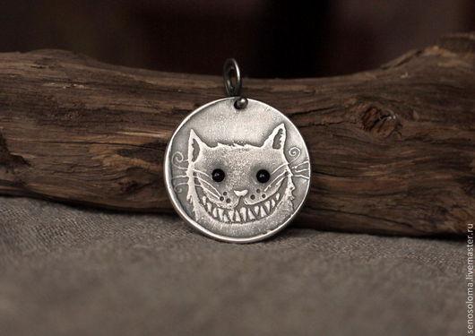 """Кулоны, подвески ручной работы. Ярмарка Мастеров - ручная работа. Купить Медальон """"Кот, который всегда сам по себе"""". Handmade. Кот"""