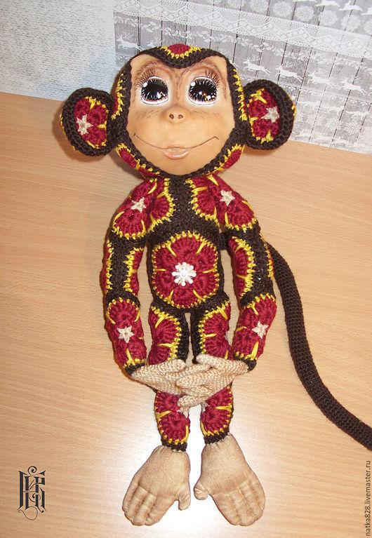 Куклы и игрушки ручной работы. Ярмарка Мастеров - ручная работа. Купить Обезьянка вязаная из африканских мотивов. Handmade. Бордовый