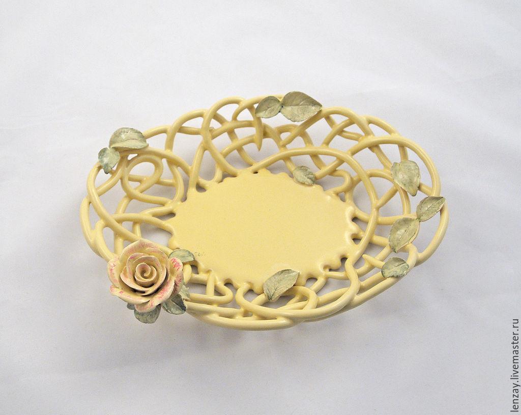 The candy bowl `Vanilla rose`. Braided ceramic and ceramic flowers Elena Zaichenko