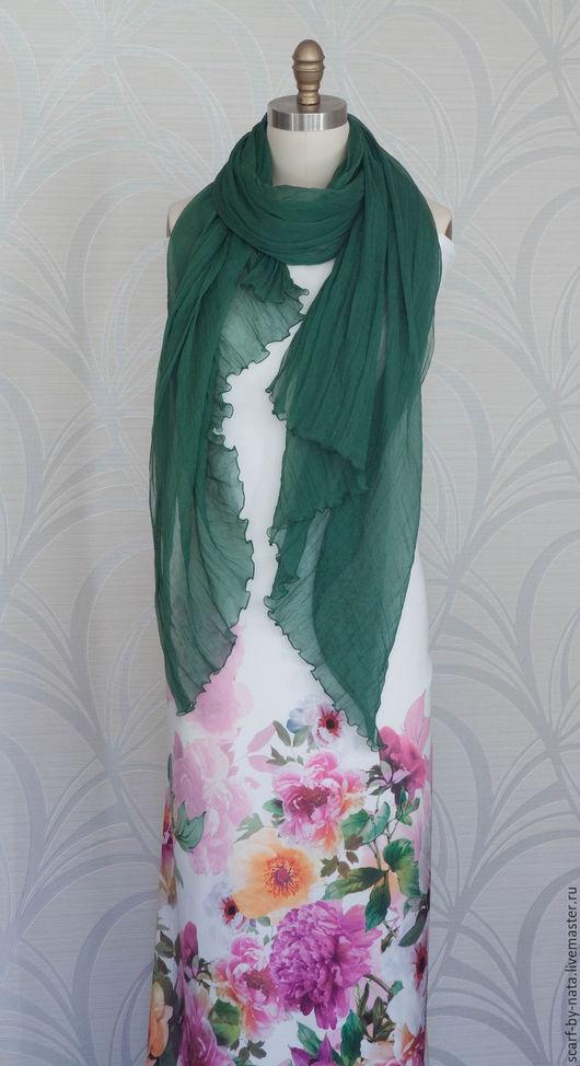 Шарфы и шарфики ручной работы. Ярмарка Мастеров - ручная работа. Купить Шёлковый шарф цвета Зелёный мирт , Шёлковый палантин зелёного цвета. Handmade.