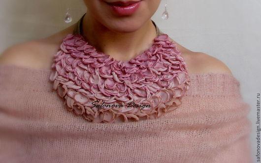 Колье, бусы ручной работы. Ярмарка Мастеров - ручная работа. Купить Rose Antique. Handmade. Розовый, колье, биб-колье