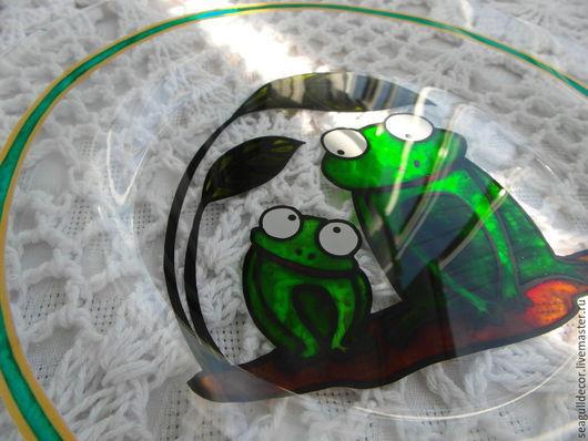 Тарелки ручной работы. Ярмарка Мастеров - ручная работа. Купить Тарелочка стеклянная из серии Добро. Handmade. Зеленый, благотворительность, стекло