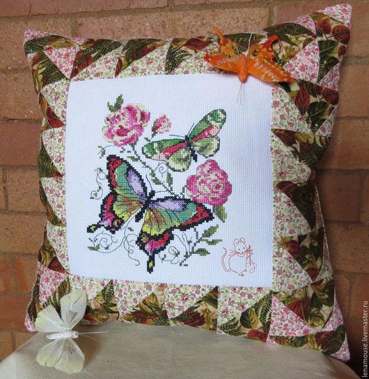 """Текстиль, ковры ручной работы. Ярмарка Мастеров - ручная работа. Купить Подушка """"Бабочки и розы"""". Handmade. Подушка, красный"""