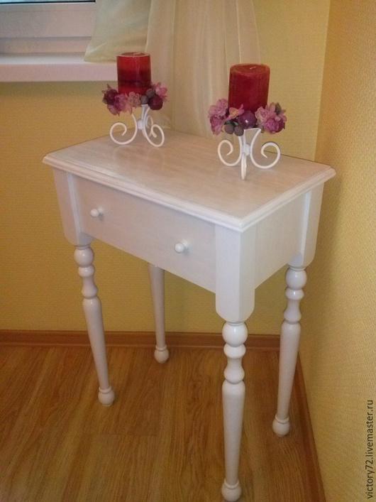 Мебель ручной работы. Ярмарка Мастеров - ручная работа. Купить Столик декоративный. Handmade. Белый, акриловые краски, прикроватный столик
