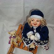"""Куклы и игрушки ручной работы. Ярмарка Мастеров - ручная работа Фарфоровая кукла """"Зимние забавы"""". Handmade."""