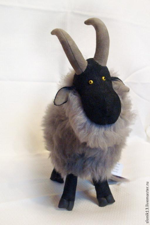 Игрушки животные, ручной работы. Ярмарка Мастеров - ручная работа. Купить Игрушка из натурального меха. Горный козлик серый. Handmade.