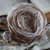 """Украшения ручной работы. Ярмарка Мастеров - ручная работа Брошь цветок роза из ткани """"Шампань"""". Handmade."""
