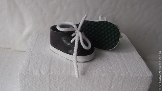 Одежда для кукол ручной работы. Ярмарка Мастеров - ручная работа. Купить Лаковые короткие ботиночки для Бебика. Handmade. Чёрно-белый