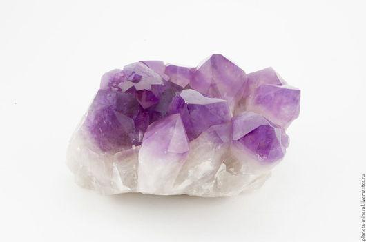 Натуральный камень аметист. Коллекционный камень минерал аметист. Аметист камень купить. Кристаллы аметиста