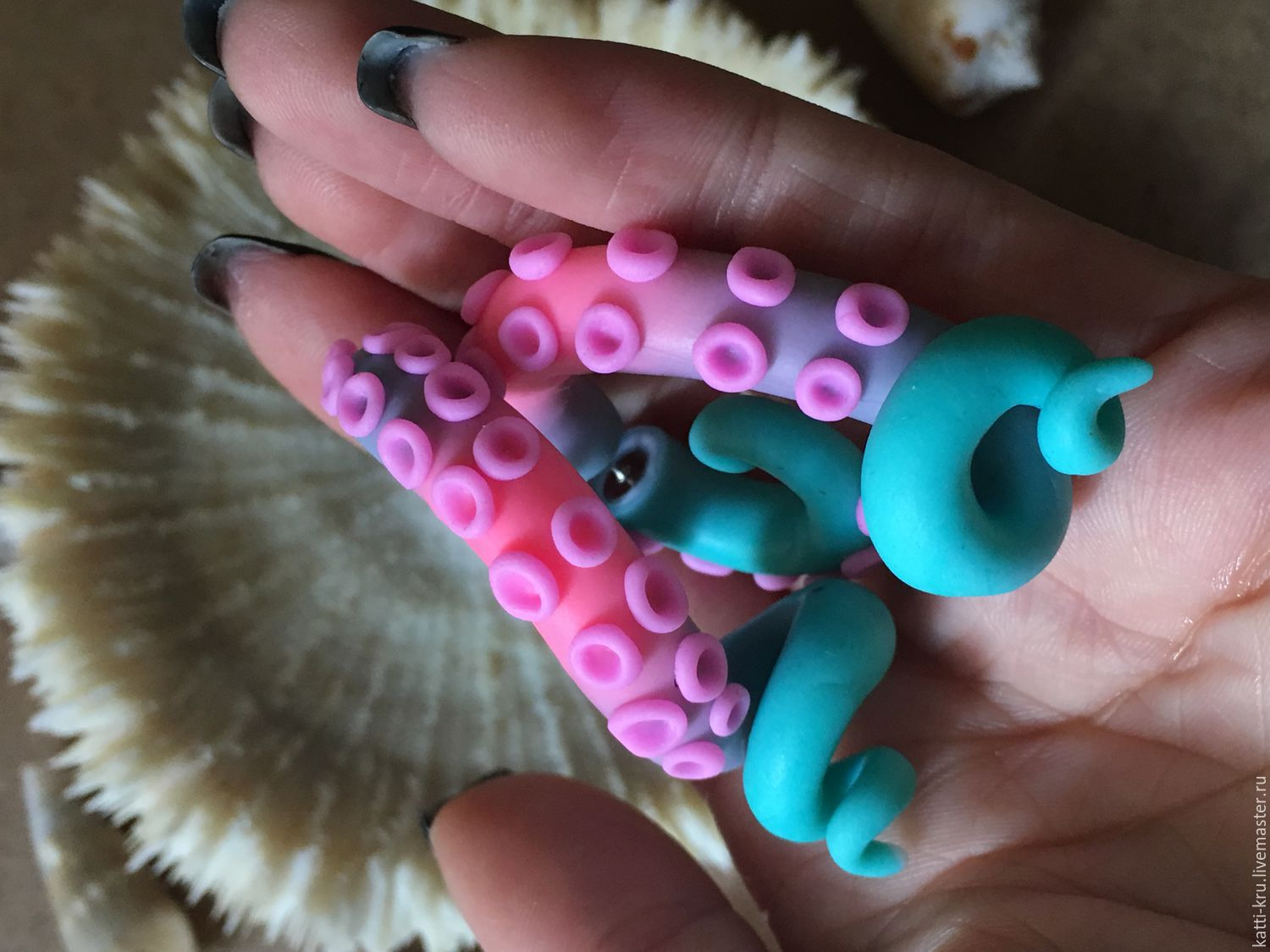 Luristanica the Octopus with a gradient of pastel colors  The combination of color and size we can choose individually! To do this, send me a private message with the order and mark all the wishes!