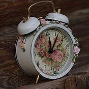 """Для дома и интерьера ручной работы. Ярмарка Мастеров - ручная работа Часы-будильник """"Розы"""". Handmade."""