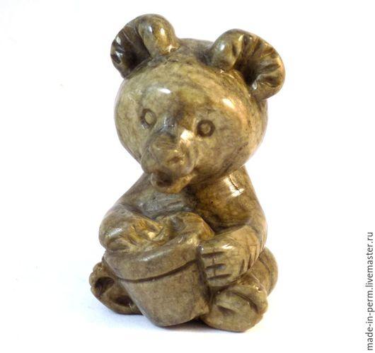 Статуэтки ручной работы. Ярмарка Мастеров - ручная работа. Купить Медвежонок с ведерком - фигурка из камня Кальцит. Handmade. Фигурка, подарок