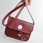 Клатчи ручной работы. Ярмарка Мастеров - ручная работа Маленькая сумка через плечо женская. Клатч вышитый, бордовый.. Handmade.