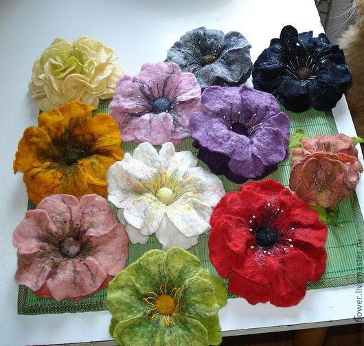 Броши ручной работы. Ярмарка Мастеров - ручная работа. Купить Валяная брошь-цветок. Handmade. Валяные цветы, шерсть для валяния