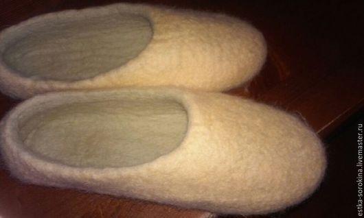 Обувь ручной работы. Ярмарка Мастеров - ручная работа. Купить Тапочки Теплая Простота. Handmade. Шерсть, валяные тапочки в перми
